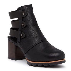 sorel   addington bootie cutout ankle black size 8